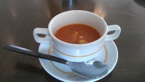 カニのトマトスープ