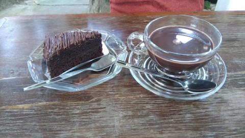 スワンメーオチョコケーキ